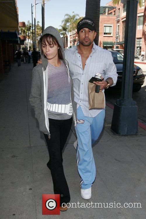 Taryn Manning - Taryn Manning and her boyfriend leave a ...