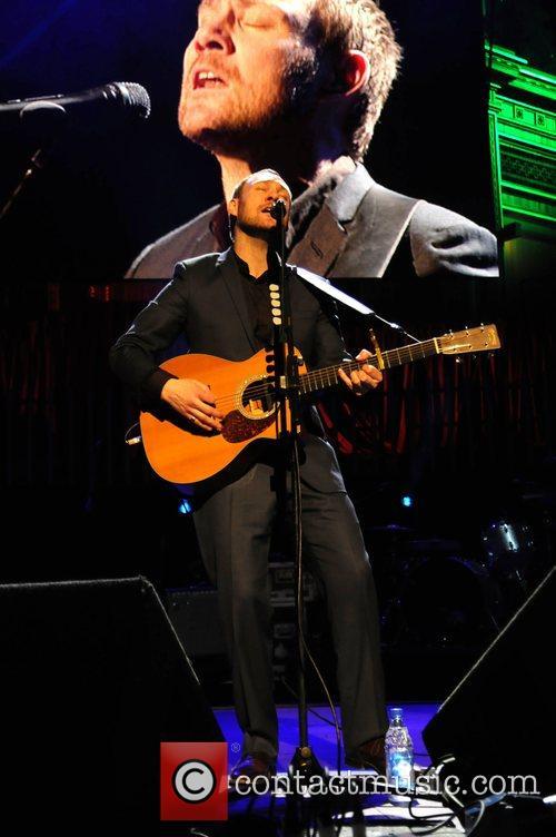 David Gray performing at TCT - The Teenage...