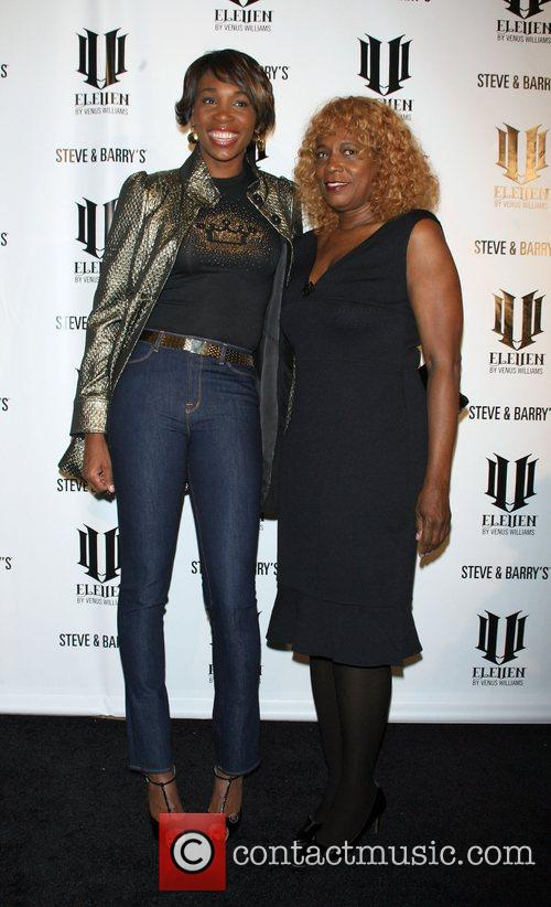 Venus Williams and Oracene Price 4