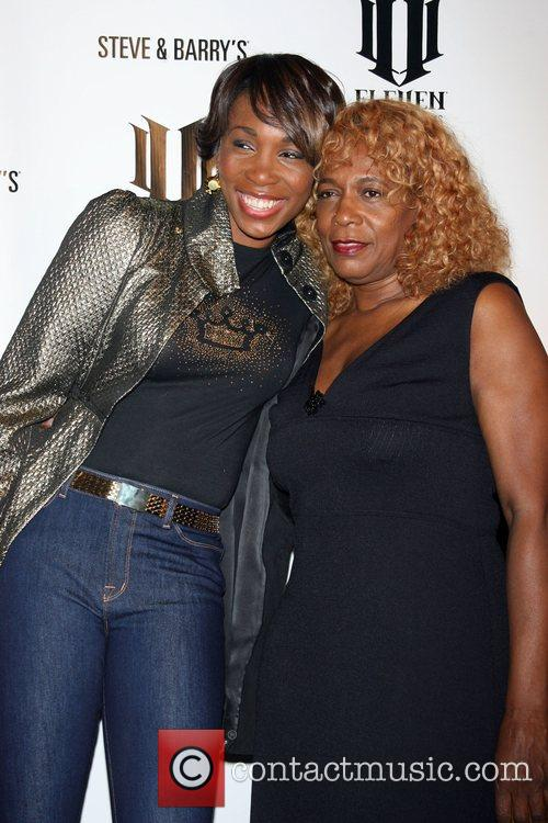 Venus Williams and Oracene Price 5