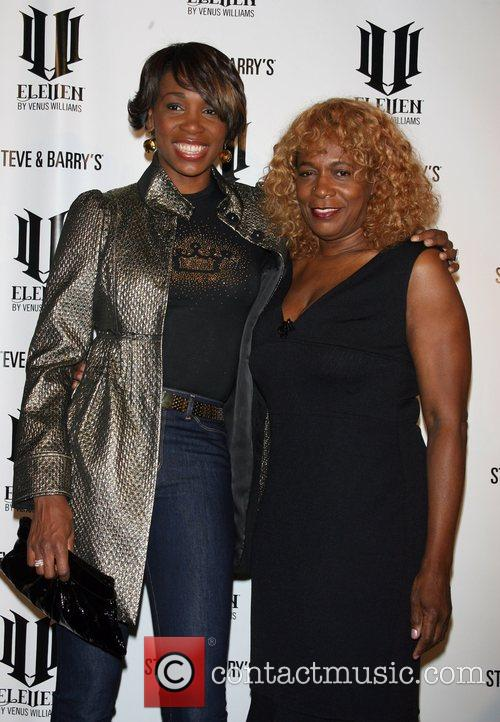 Venus Williams and Oracene Price 7