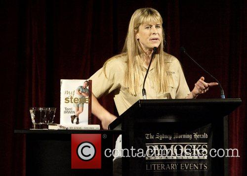 Terri Irwin and Steve Irwin 7
