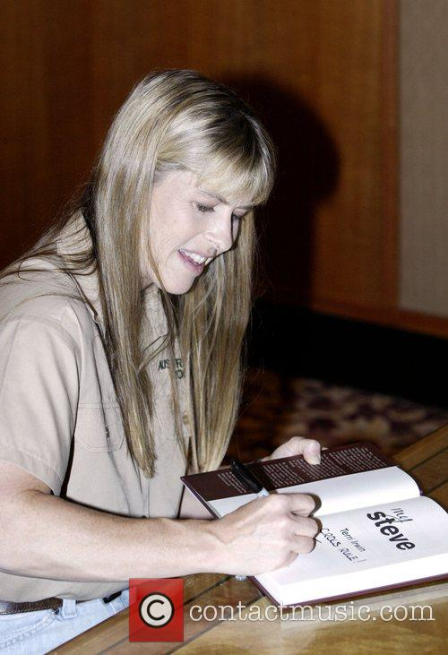 Terri Irwin and Steve Irwin 4