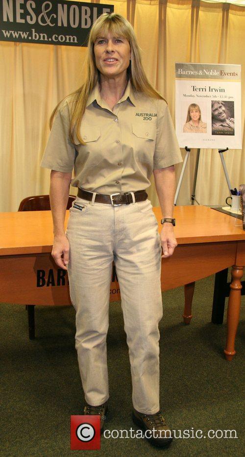 Terri Irwin and Steve Irwin 4