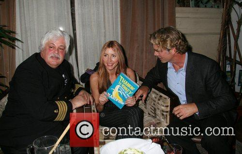 Captain Paul Watson, Heather Mills, John Schneider 'Thank...