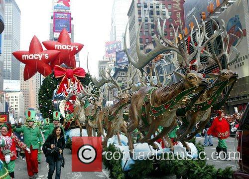Santa Claus and Benji Madden 4