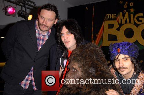 The Cast of The Mighty Boosh sign copies...