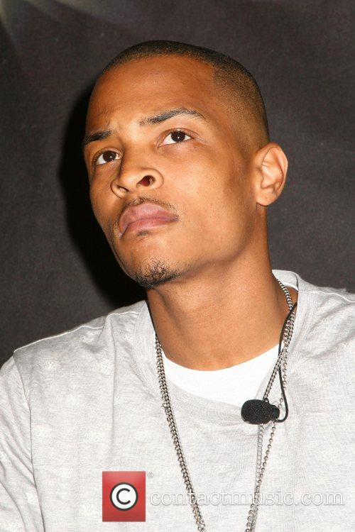 * T.I. ARRESTED AFTER UNDERCOVER MACHINE GUN DEAL...
