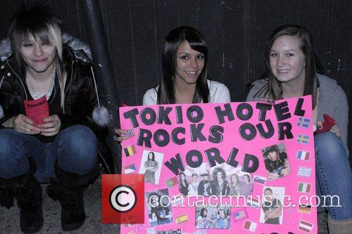 Fans Tokio Hotel performing live at the Roxy...