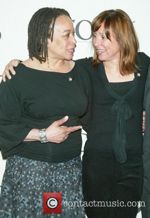 S Epatha Merkerson and Laurie Metcalf 3