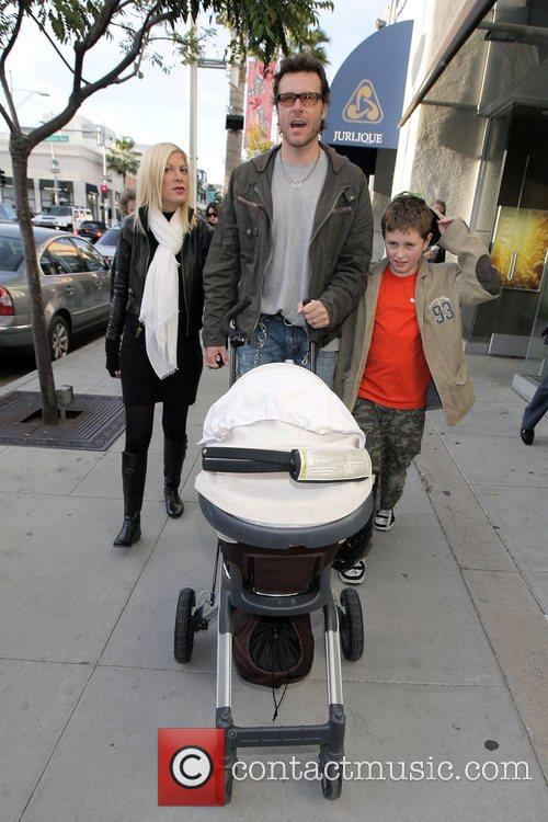 Husband Dean Mcdermott 7