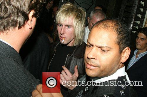Donny Tourette and Towers Of London 7