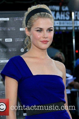 Rachael Taylor 3