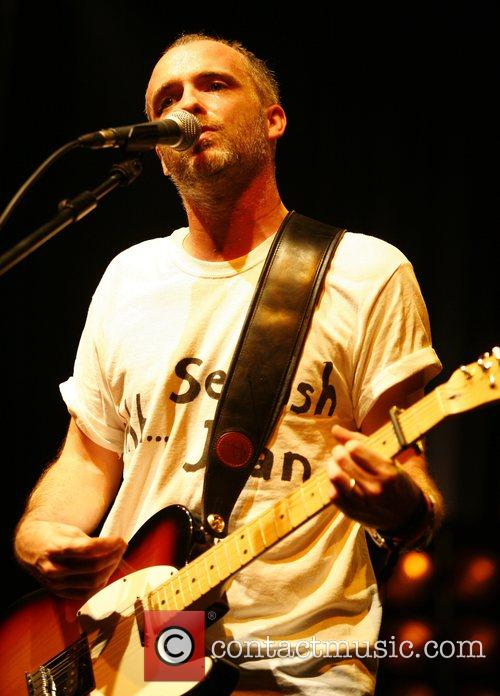 Fran Healy Travis performing live at