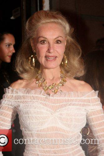 Julie Newmar Van Cleef & Arpels hosts 'Une...