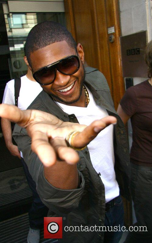 Usher and Jo Whiley 5