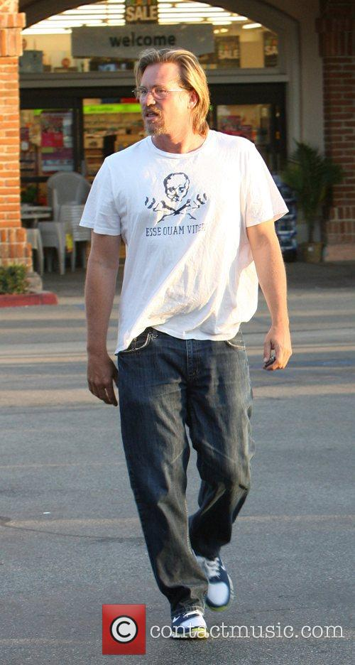 Val Kilmer shopping in Malibu