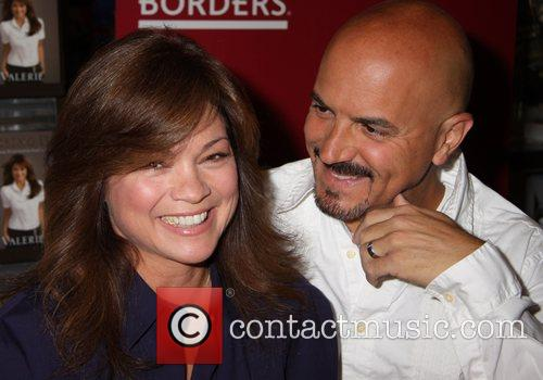 Valerie Bertinelli and Tom Vitale signs copies of...