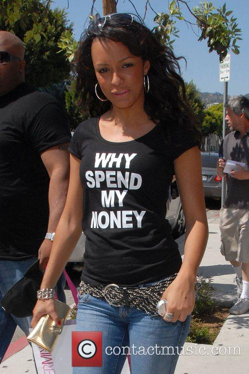 American singer Vanelli goes on a shopping spree...