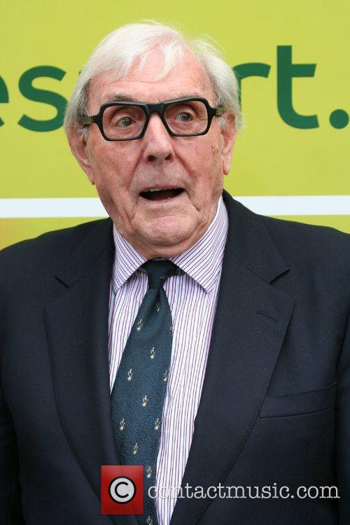Eric Sykes The Sandown Variety Club Horse Race...