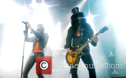 Scott Weiland and Slash 4