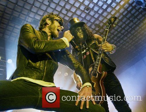 Scott Weiland, Slash and Velvet Revolver 3