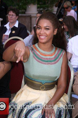 Beyonce Knowles and Las Vegas 2