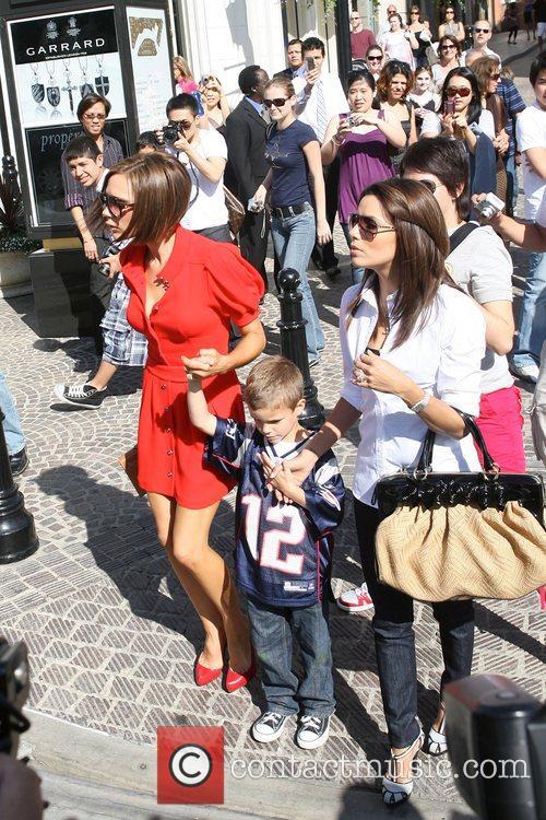 Victoria Beckham and Eva Longoria 9