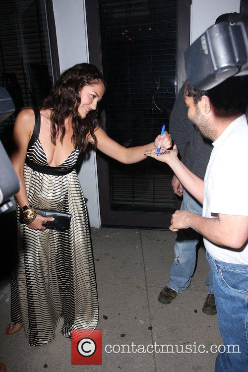 Minka Kelly signing autographs as she leaves Villa...