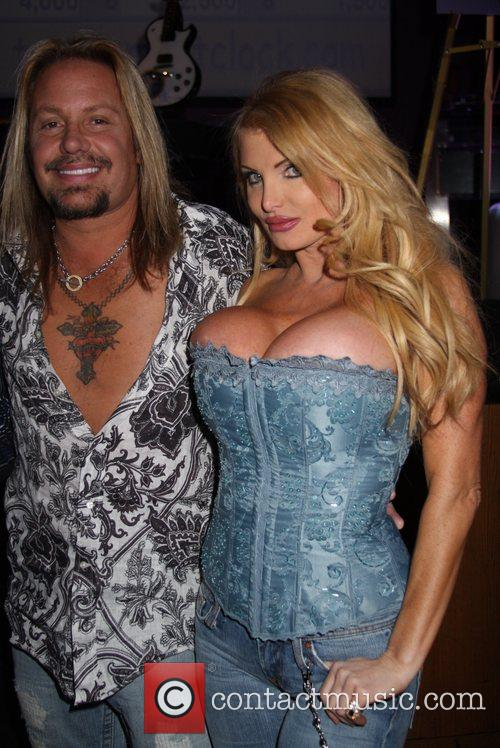 Vince Neil and Taylor Wane 5