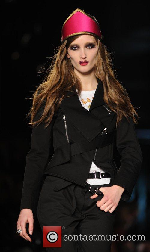 Model and Vivienne Westwood 19
