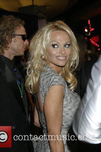Pamela Anderson, Las Vegas and Mtv 1