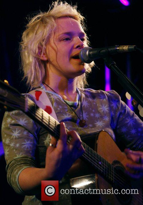Wallis Bird 23