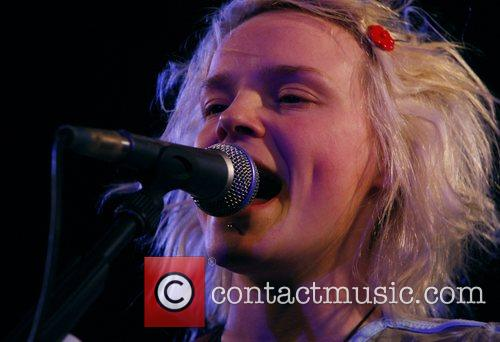Wallis Bird 14
