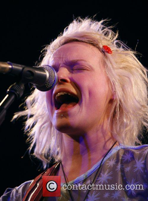 Wallis Bird 12
