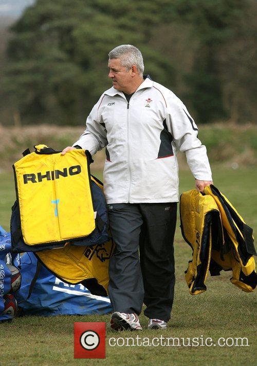 Warren Gatland coaching the Wales squad for preparation...
