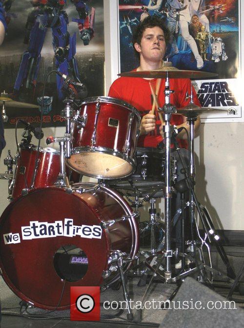 Ashley Wade  We Start Fires perform live...