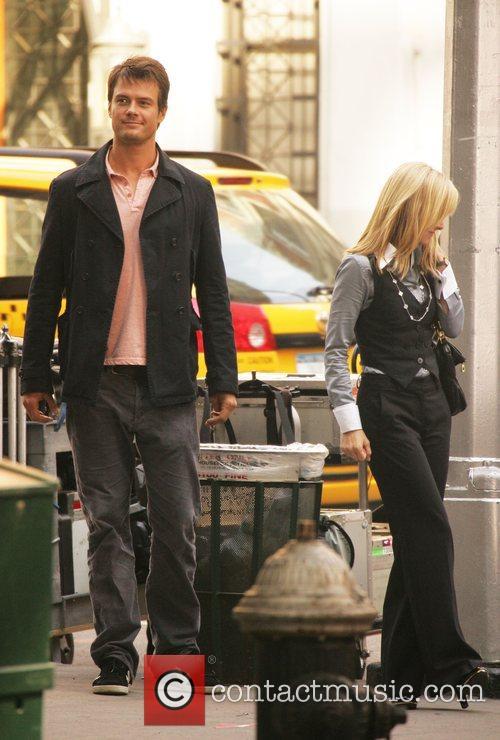 Josh Duhamel and Kristen Bell 7