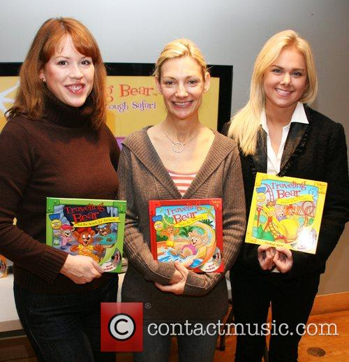 Molly Ringwald, Beth Ehlers and Laura Bell Bundy 4