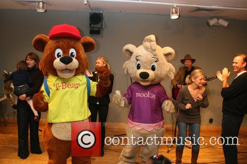 T-Bear and Mookie 'Winning Kids Incorporated' reading at...