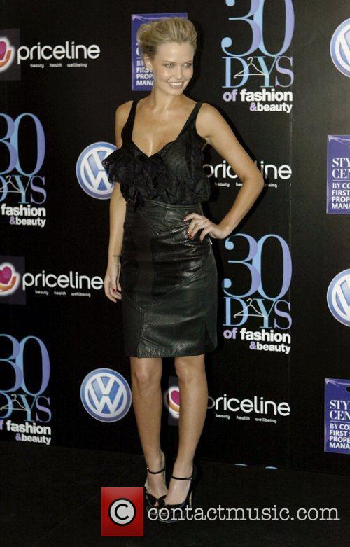 Lara Bingle 3