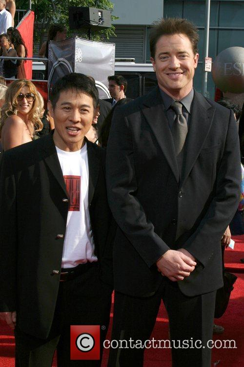 Jet Li and Brendan Fraser 6