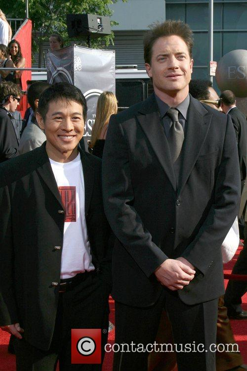 Jet Li and Brendan Fraser 7