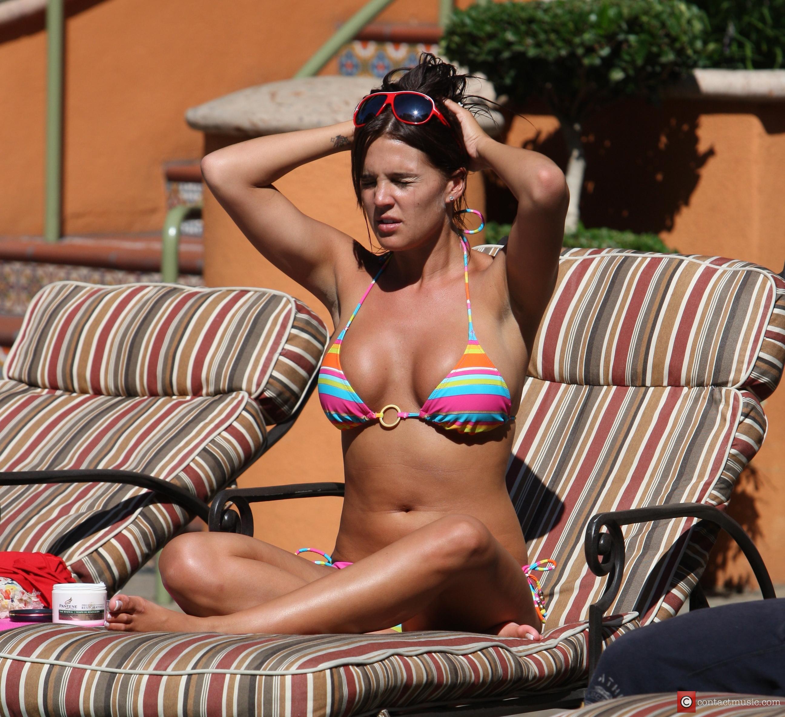 Danielle Lloyd 7