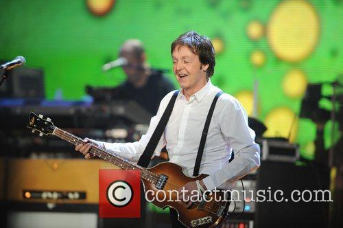 McCARTNEY AUCTIONS OFF VOX AMP Sir Paul McCartney...
