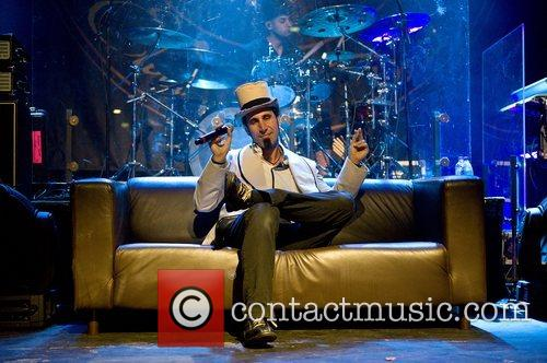 Serj Tankian 13