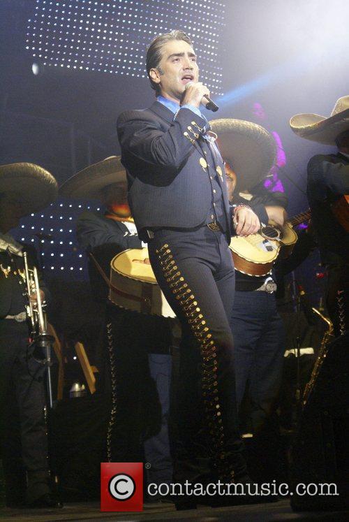 Alejandro Fernandez 6