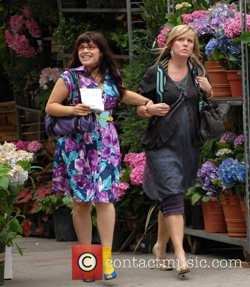 America Ferrera and Ashley Jensen 9