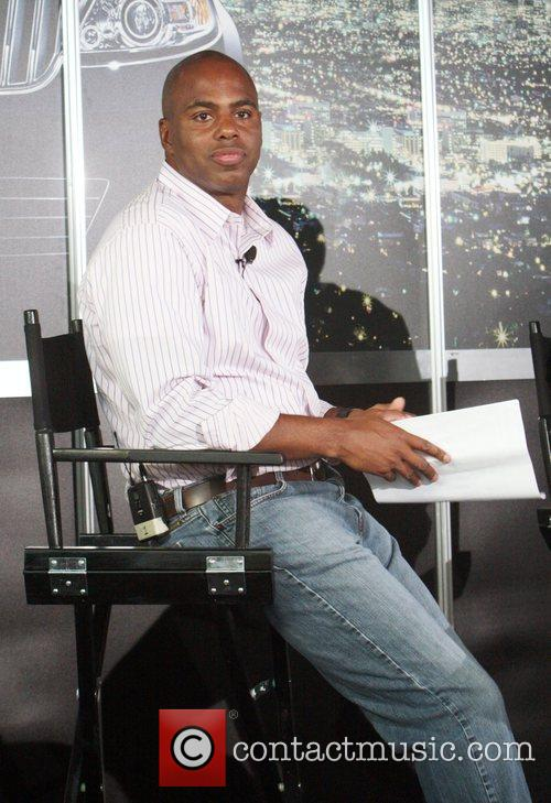 Kevin Frazier Lincoln Presents 'Off the Red Carpet...