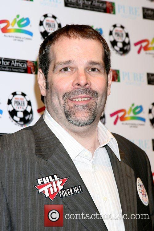 Howard Lederer  'Ante up for Africa' Poker...